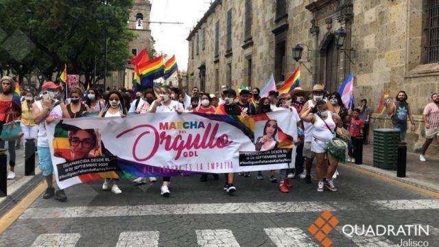 Marchan por el Orgullo y exigen respeto a la comunidad LGBTTIQ+