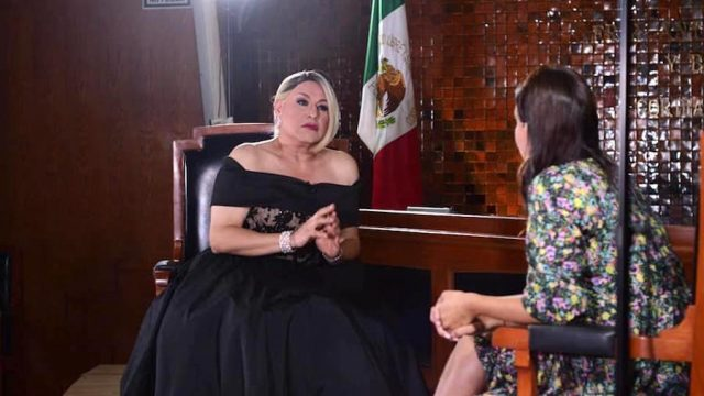 Roberto Espejo, 35 años de carrera y el primer transformista entrevistado en el Congreso del estado de Jalisco
